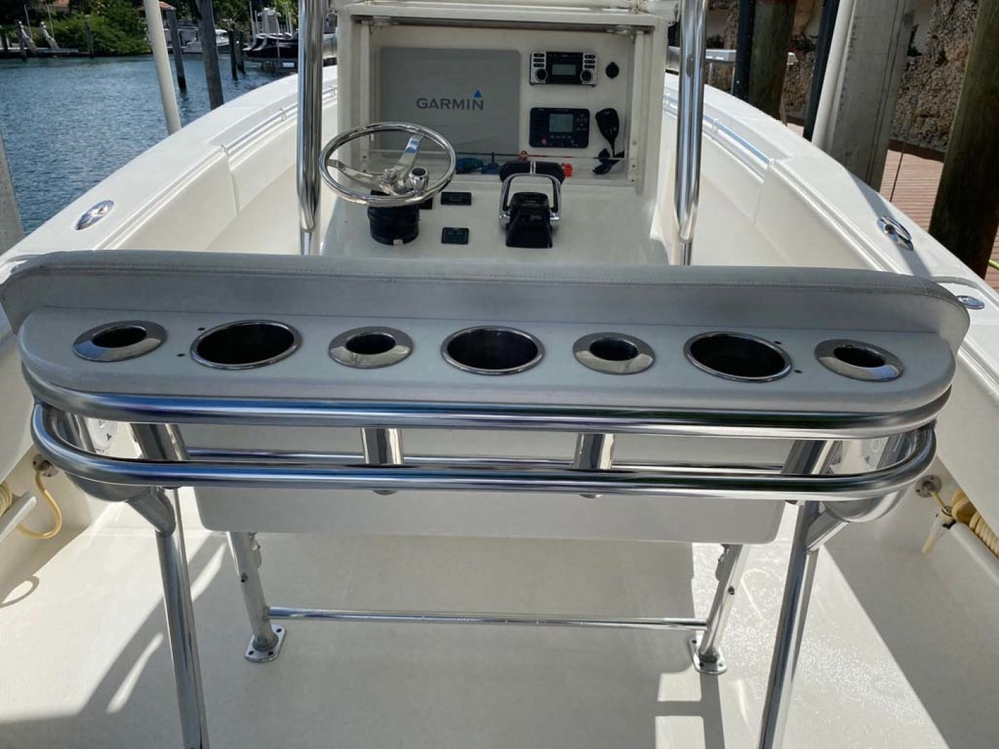 Invincible-Center Console 2012 -Coral Gables-Florida-United States-Rod Holders and Cup Holders-1552057 | Thumbnail