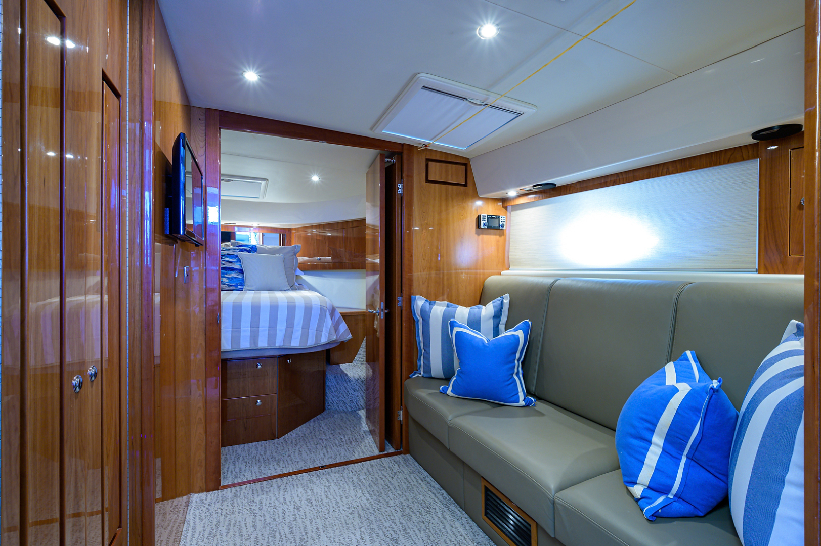Riviera-5000 Sport Yacht 2012-Lady J Palm Beach-Florida-United States-1553541 | Thumbnail