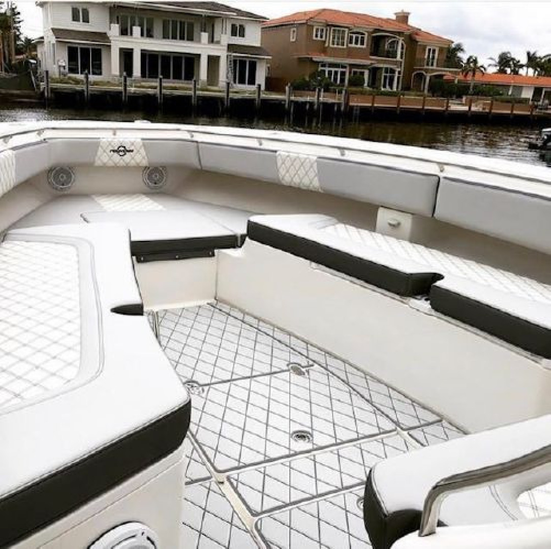Fountain-38 Center Console 2011 -Lighthouse Point-Florida-United States-1553365 | Thumbnail