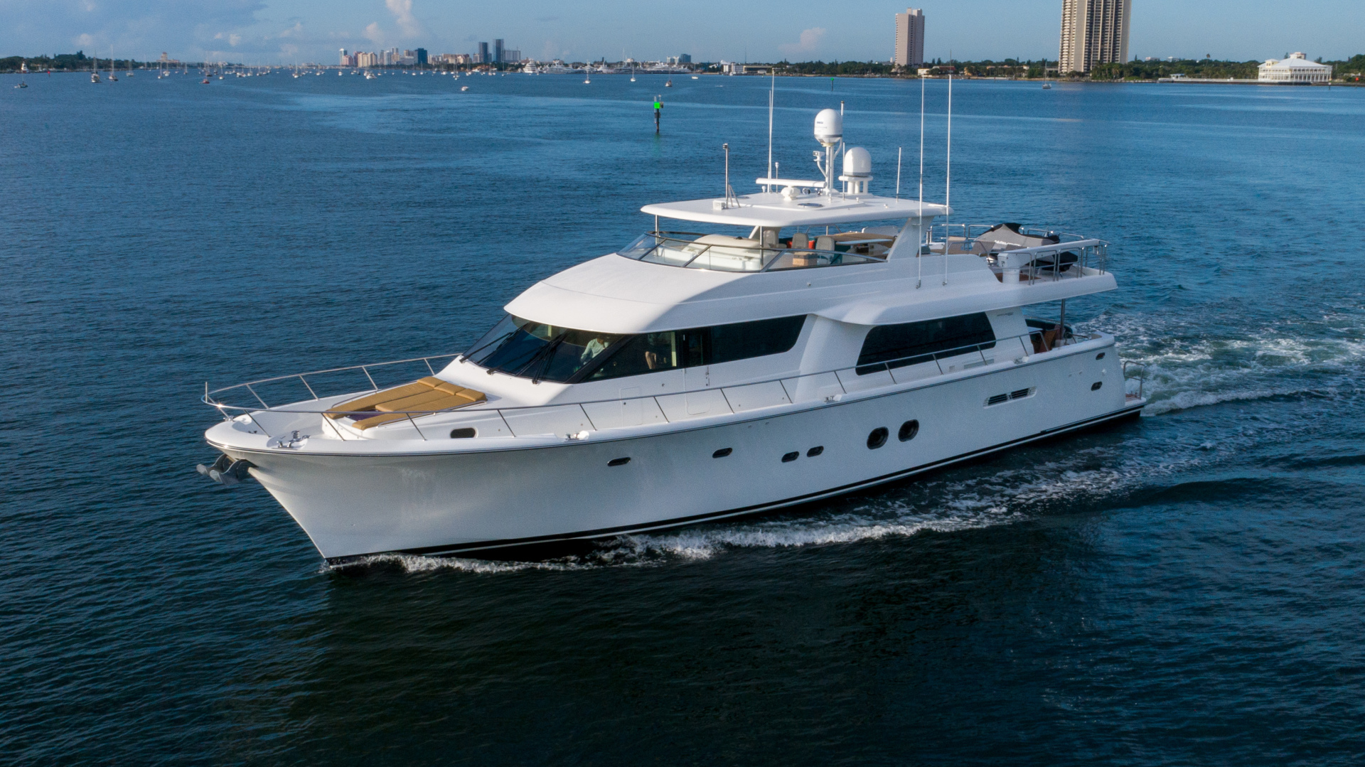 Pacific Mariner 2013-SEAS THE MOMENT Fort Lauderdale-Florida-United States-1554593 | Thumbnail