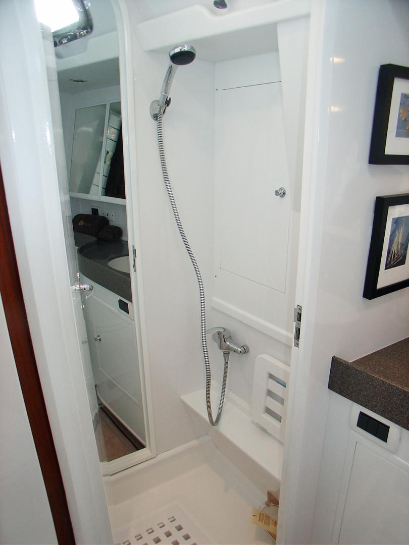 Hylas-70 Centerboard Cruiser 2007-AMANTE Barcelona-Spain-Guest Shower-1555647   Thumbnail