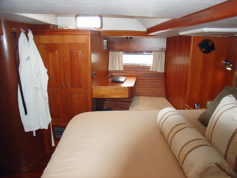 Hylas-70 Centerboard Cruiser 2007-AMANTE Barcelona-Spain-Owners SR Sbd. Side-1555656   Thumbnail