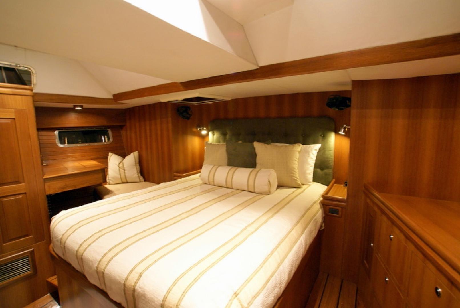 Hylas-70 Centerboard Cruiser 2007-AMANTE Barcelona-Spain-Owners SR-1555654   Thumbnail