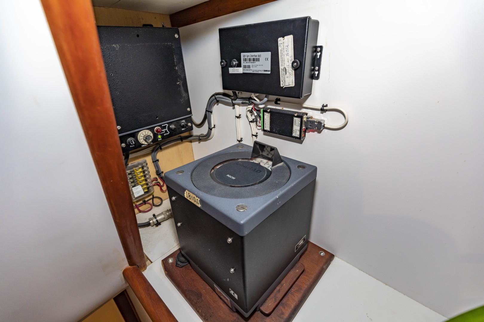 GlassTech-Expedition Yacht 2018-Reset Stuart-Florida-United States-Ships Gyroscopic Compass-1570484 | Thumbnail