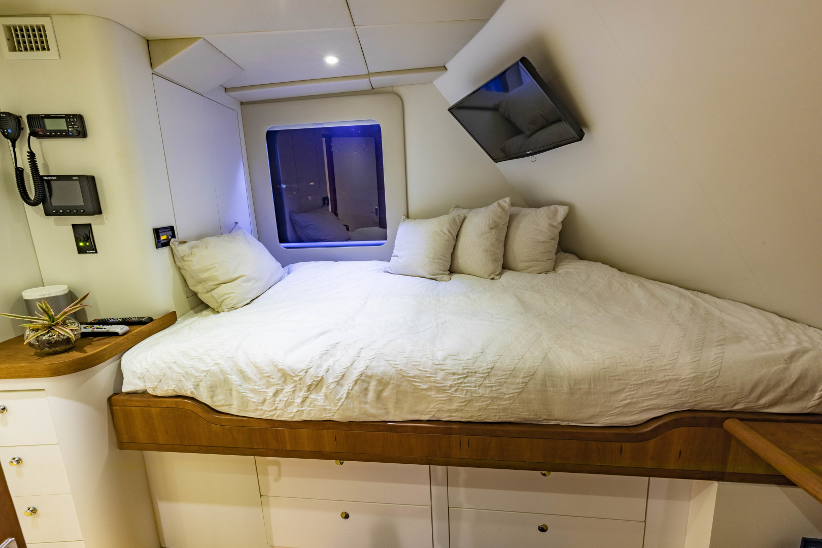 GlassTech-Expedition Yacht 2018-Reset Stuart-Florida-United States-Captain Stateroom-1568706 | Thumbnail