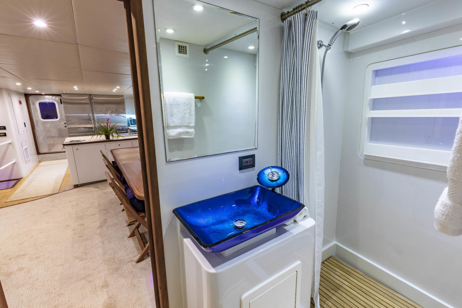 GlassTech-Expedition Yacht 2018-Reset Stuart-Florida-United States-Salon Day Head-1570487 | Thumbnail
