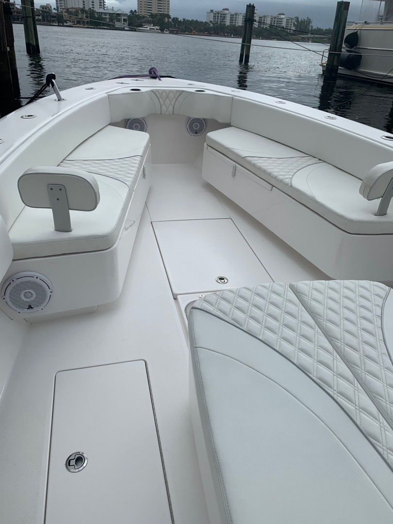 Contender-39 Step Hull w/SeaKeeper 2019-T/T Double Barrel Name Reserved Boca Raton-Florida-United States-Bow Seats with Storage and Backrest-1558943   Thumbnail