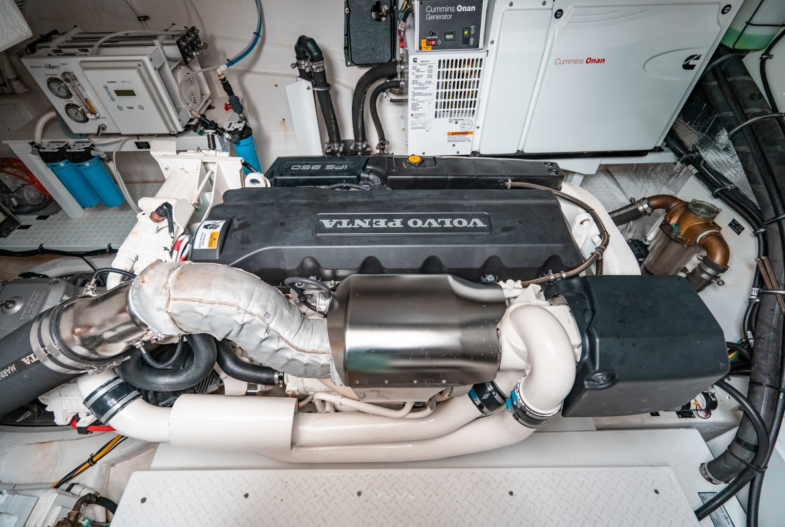 Cruisers-60 Cantius 2018-Sea Rhythm III Anna Maria-Florida-United States-2018 Cruisers 60 Cantius FB  Sea Rhythm III  Engine Room-1583280 | Thumbnail