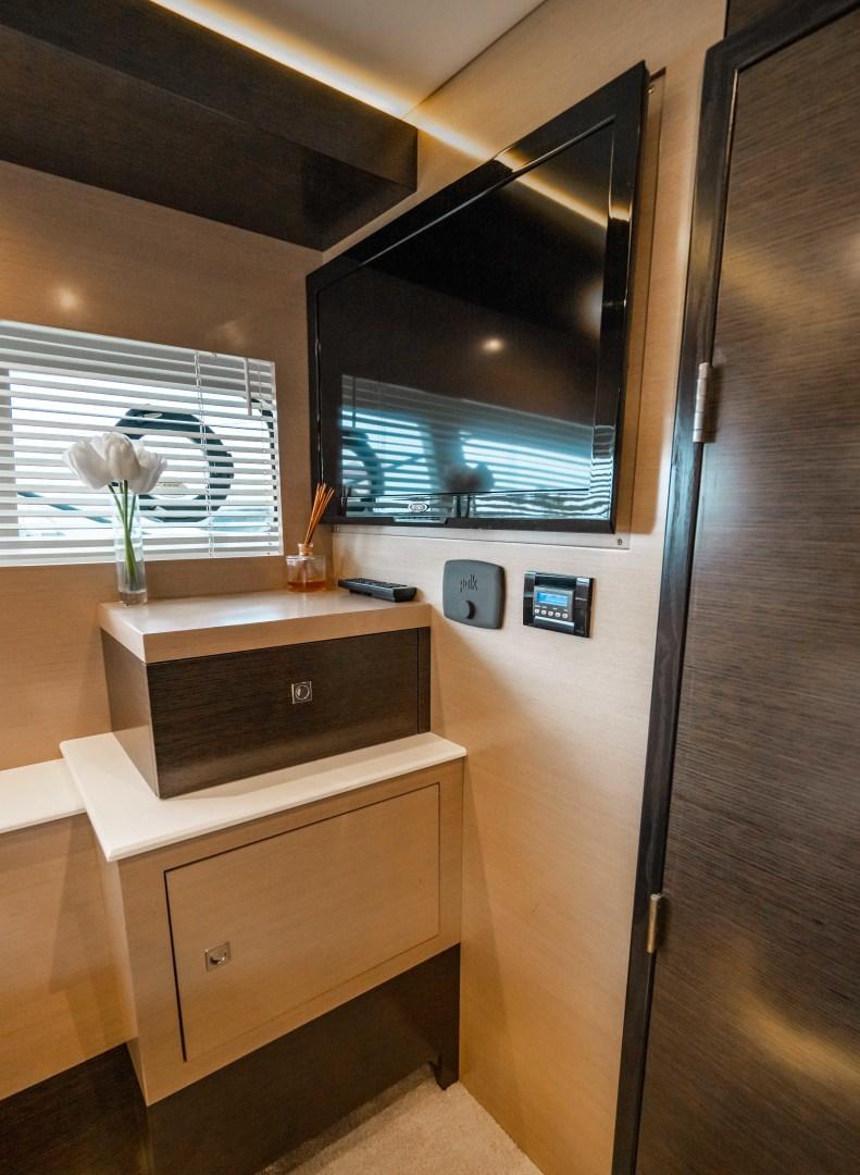 Cruisers-60 Cantius 2018-Sea Rhythm III Anna Maria-Florida-United States-2018 Cruisers 60 Cantius FB  Sea Rhythm III  VIP Stateroom-1583297 | Thumbnail