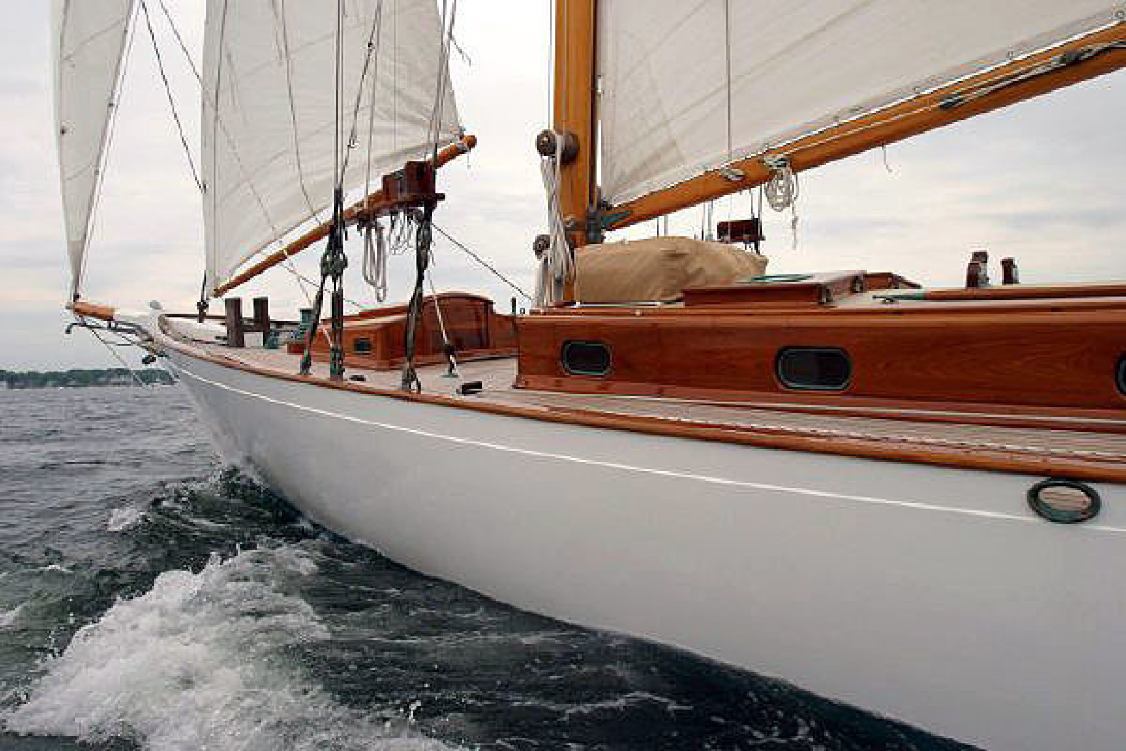 Herreshoff-Bounty 58 2004-CATRIONA Mattapoisett-Massachusetts-United States-Fwd. Port Qtr.-1560601 | Thumbnail