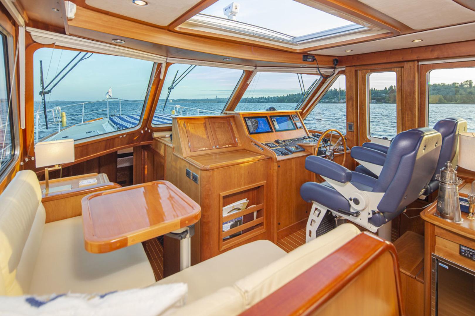 Sabre-Salon Express 2009-M&Ms Seattle-Washington-United States-Helm and Settee-1618456 | Thumbnail