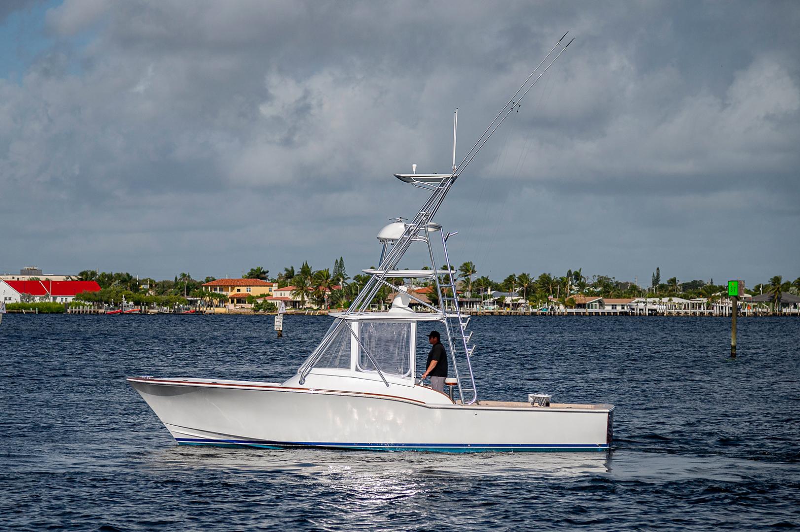 L&H-Walk-around Express Sportfish 2002-BeachKomer North Palm Beach-Florida-United States-1561797 | Thumbnail