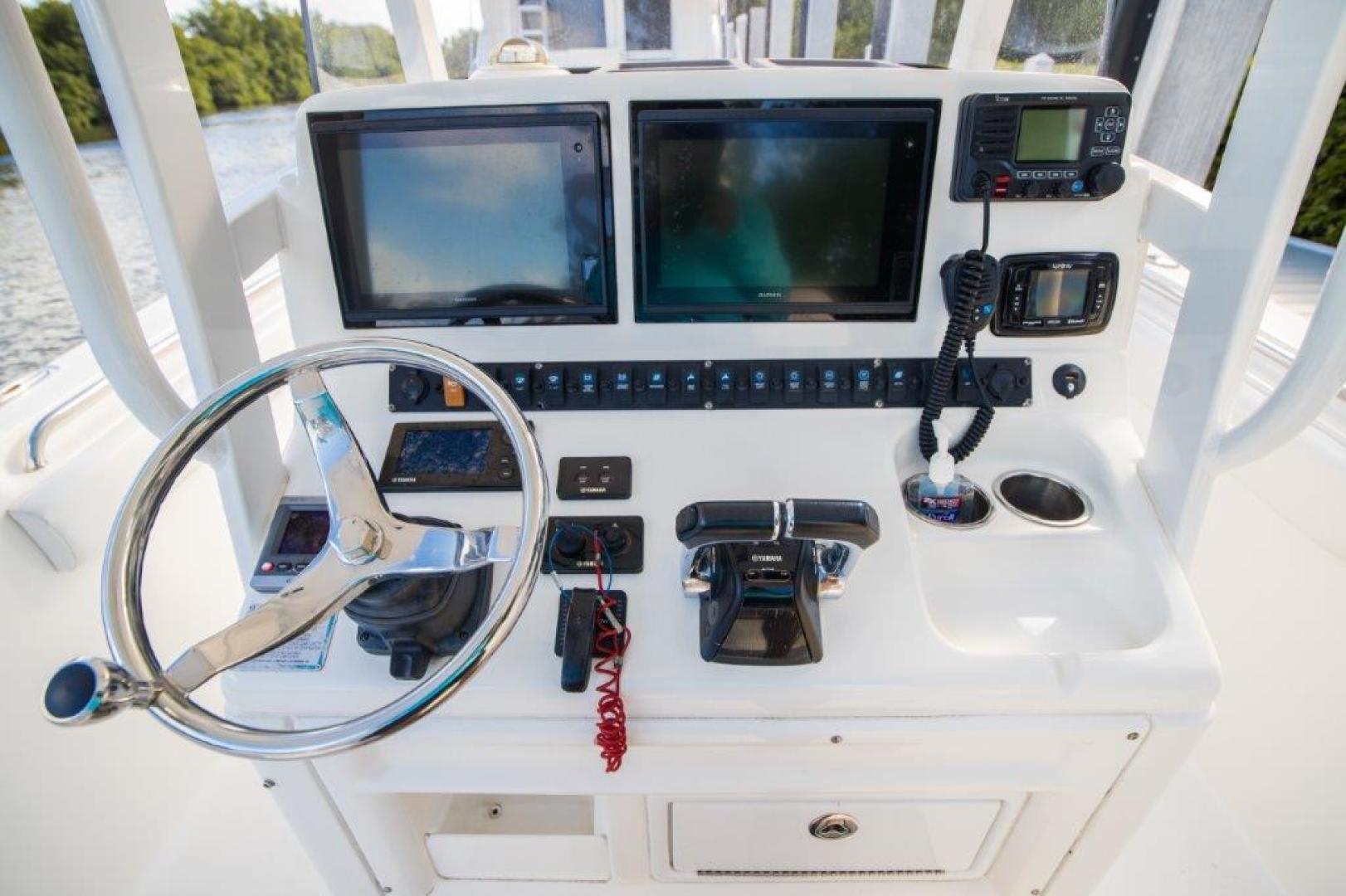 Sea Hunt-Gamefisherman 2013-No Name 29 Sea Hunt Key Largo-Florida-United States-Helm Electronics-1562269 | Thumbnail