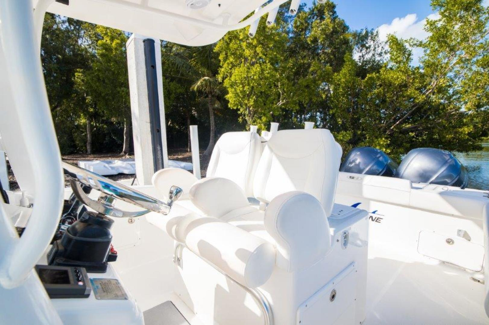 Sea Hunt-Gamefisherman 2013-No Name 29 Sea Hunt Key Largo-Florida-United States-Helm Seating-1562270 | Thumbnail