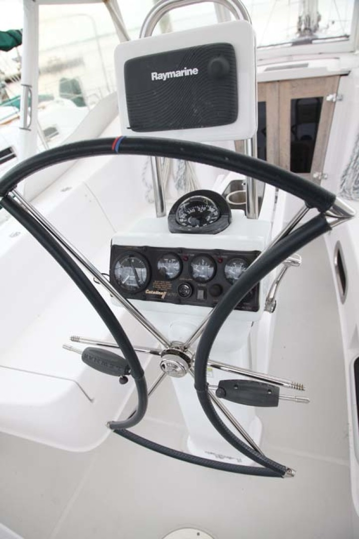 Catalina-355 2014 -Key Largo-Florida-United States-Helm Instrumentation-1574518 | Thumbnail