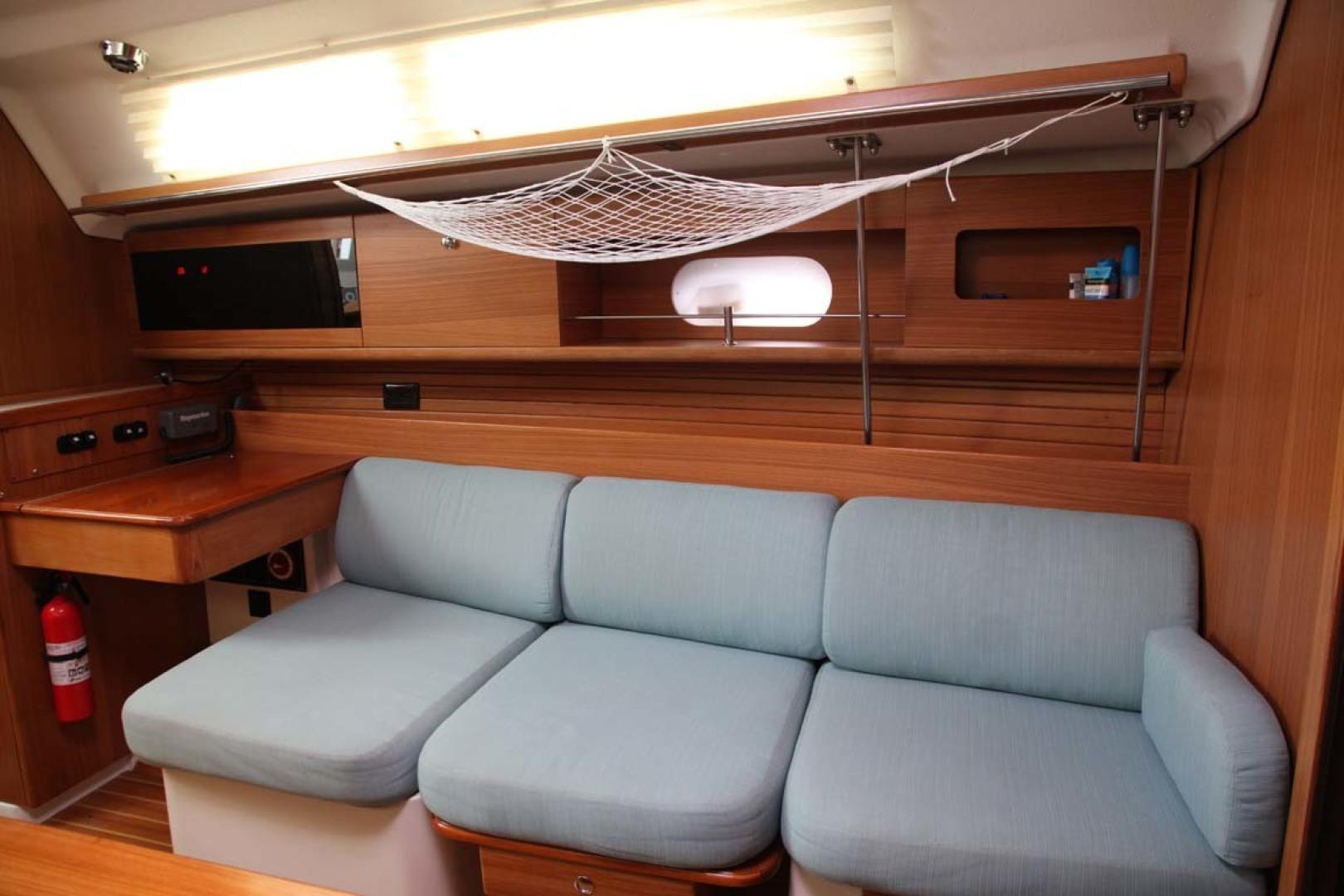 Catalina-355 2014 -Key Largo-Florida-United States-Salon Seating-1574536 | Thumbnail