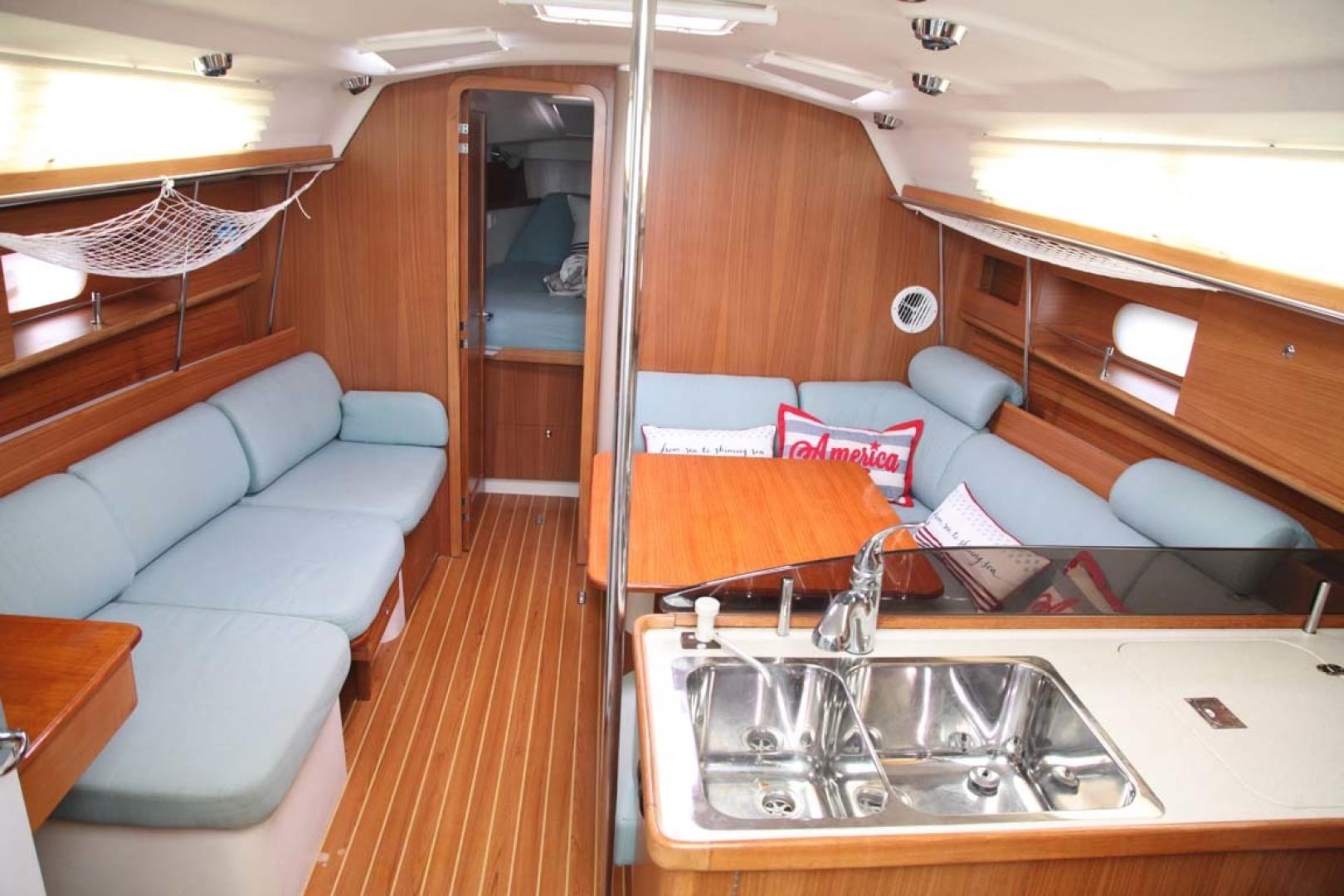 Catalina-355 2014 -Key Largo-Florida-United States-Salon-1574524 | Thumbnail