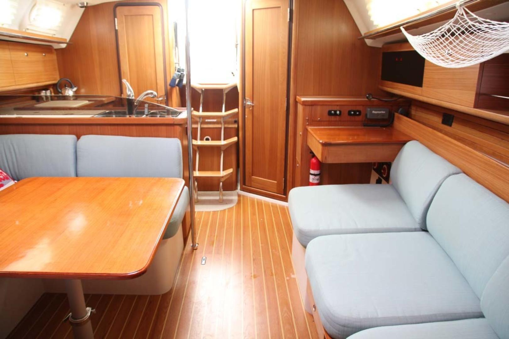 Catalina-355 2014 -Key Largo-Florida-United States-Salon Seating-1574535 | Thumbnail