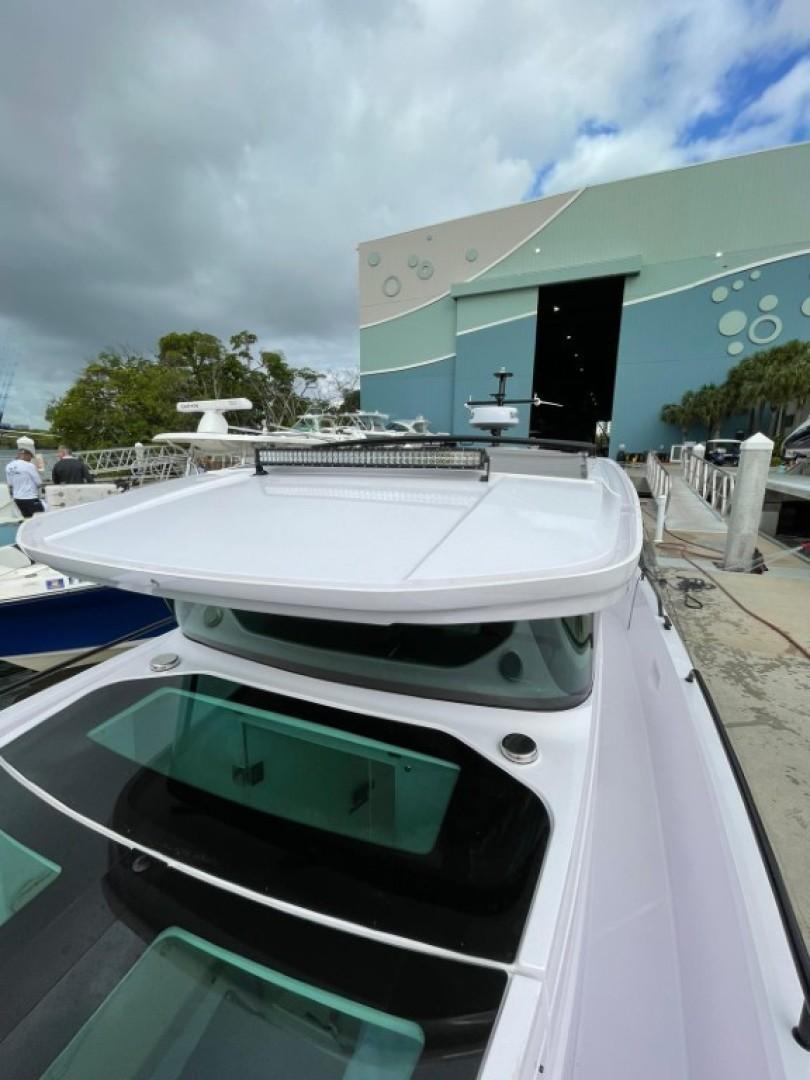 Axopar-37 XC Cross Cabin 2020 -Fort Lauderdale-Florida-United States-1564703 | Thumbnail