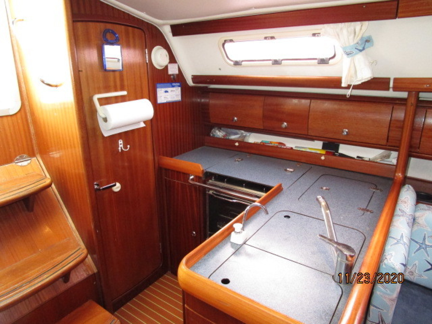 Bavaria-36 3 stateroom 2004-Aequanimity Southport-Connecticut-United States-1566136 | Thumbnail
