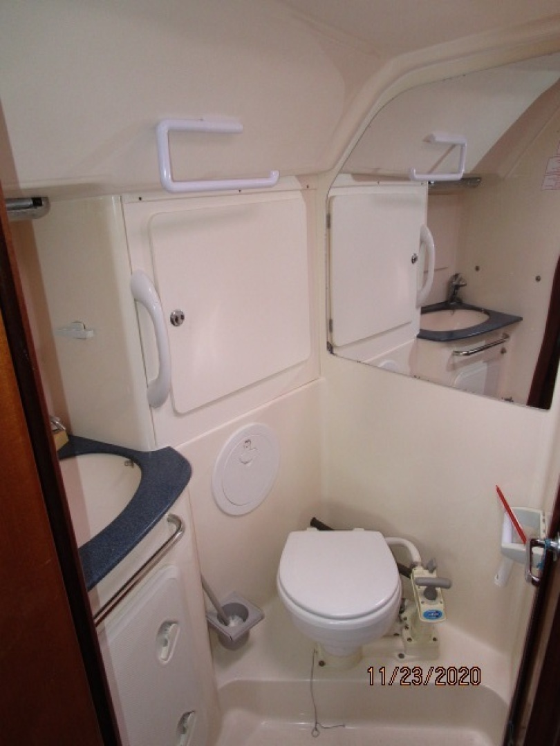 Bavaria-36 3 stateroom 2004-Aequanimity Southport-Connecticut-United States-1566141 | Thumbnail