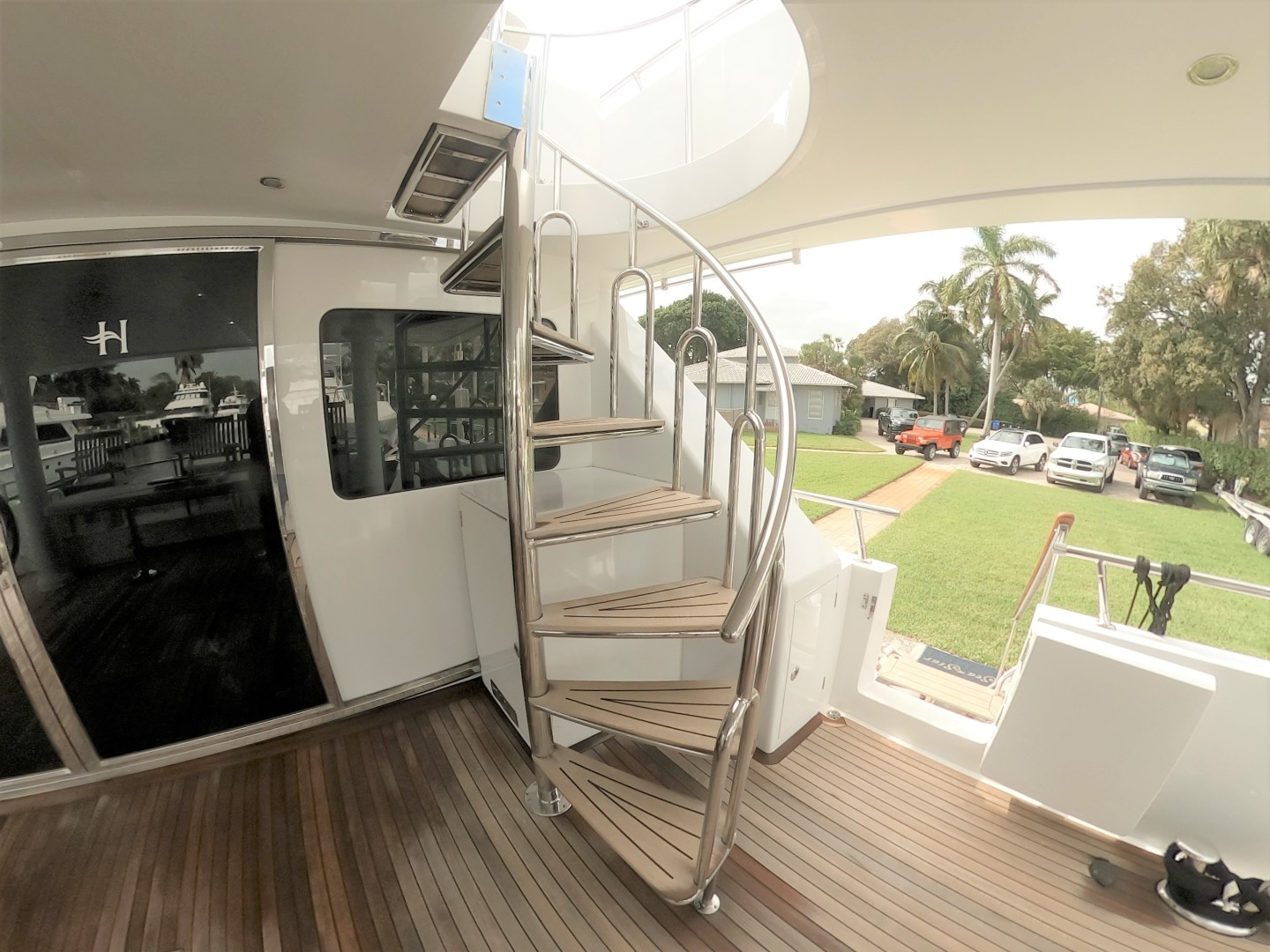 Hargrave-Tri Deck 2001-SeaStar Fort Lauderdale-Florida-United States-Aft Deck Staircase-1566991 | Thumbnail