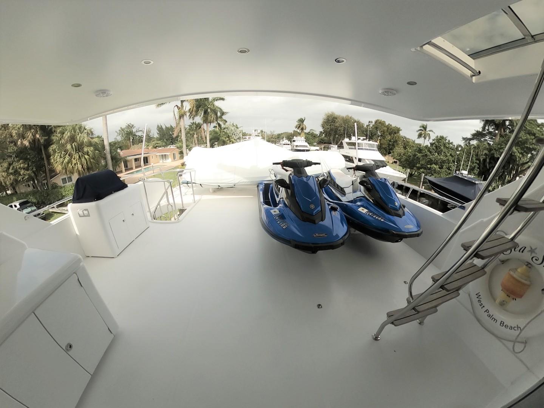 Hargrave-Tri Deck 2001-SeaStar Fort Lauderdale-Florida-United States-Boat Deck-1566983 | Thumbnail