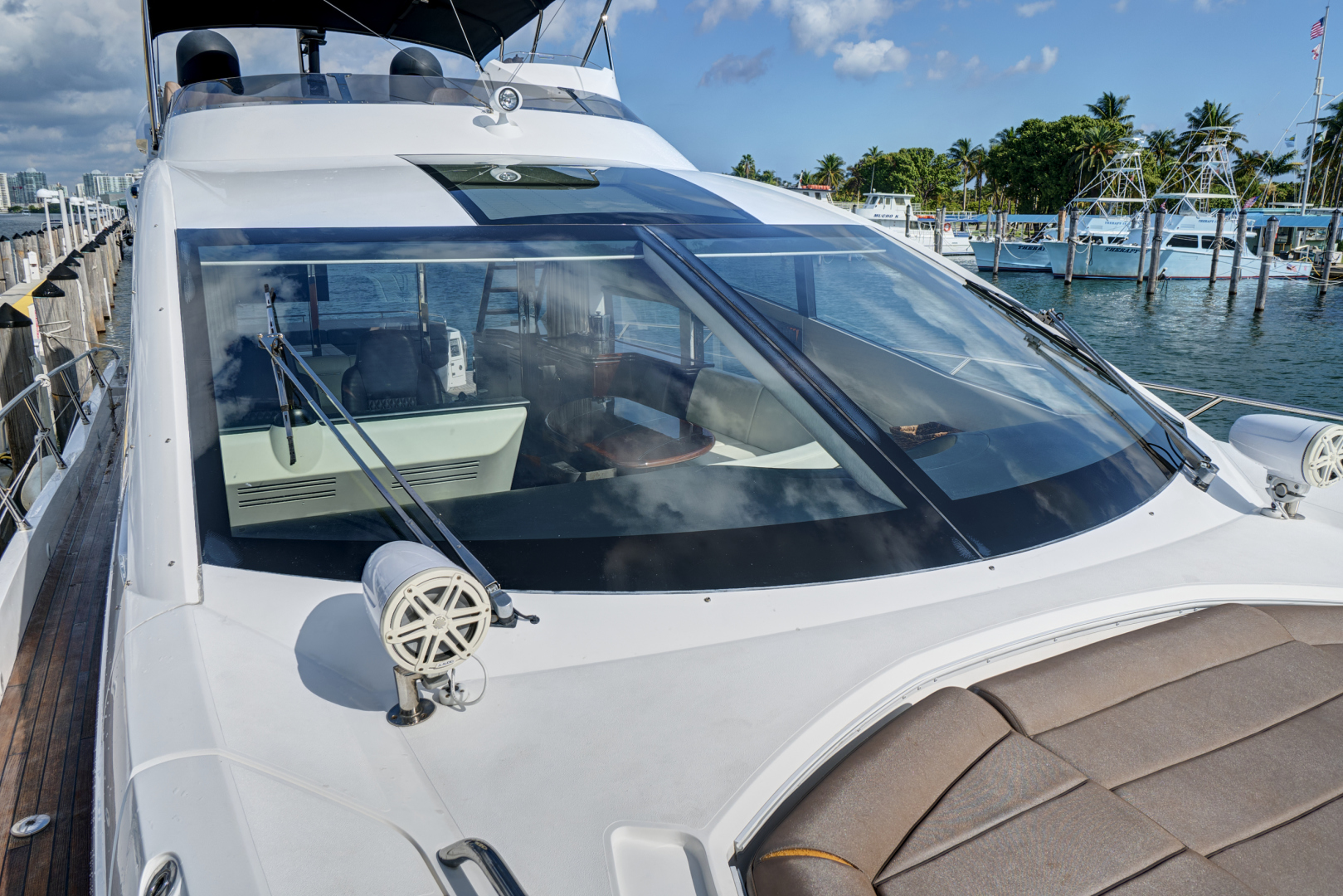 Sunseeker-68 Sport Yacht 2014-New Page Miami Beach-Florida-United States-1581182 | Thumbnail