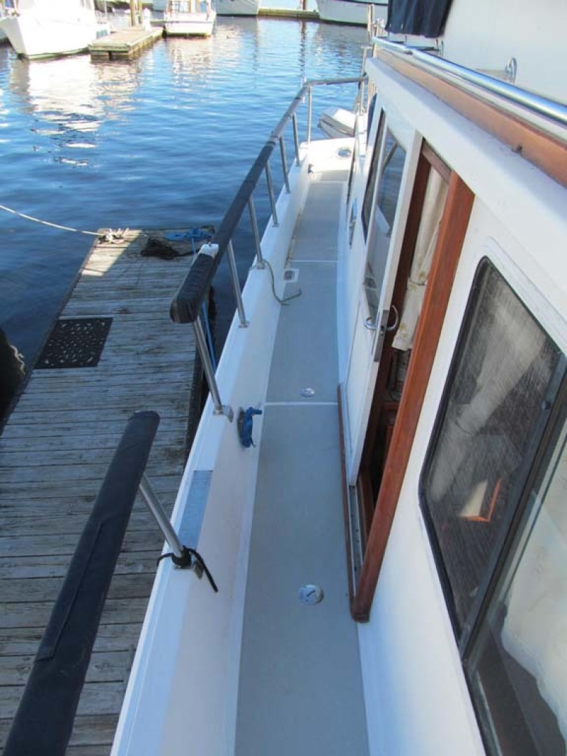 Monk-36 Trawler, Replaced Fuel Tanks 2003-One Fine Day New Bern-North Carolina-United States-Side Deck Port Forward-1569175   Thumbnail