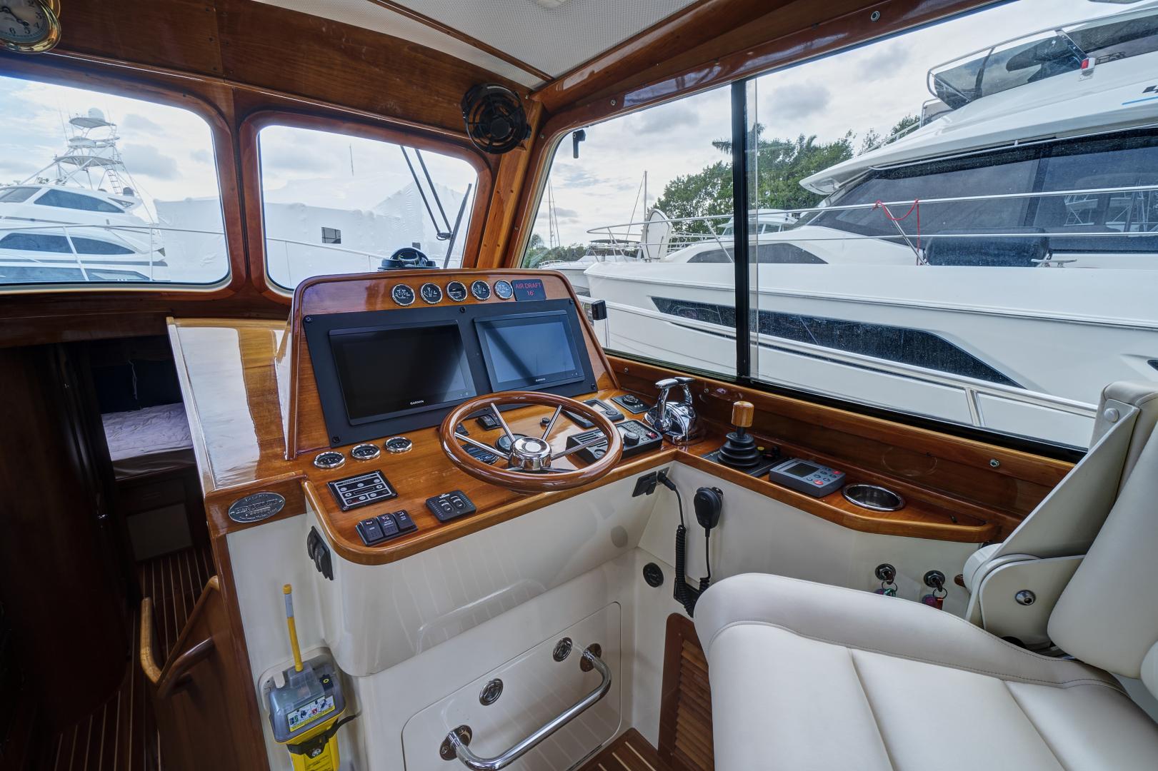 Hinckley-Talaria 44 2005-Perspective Palm Beach-Florida-United States-1570641 | Thumbnail