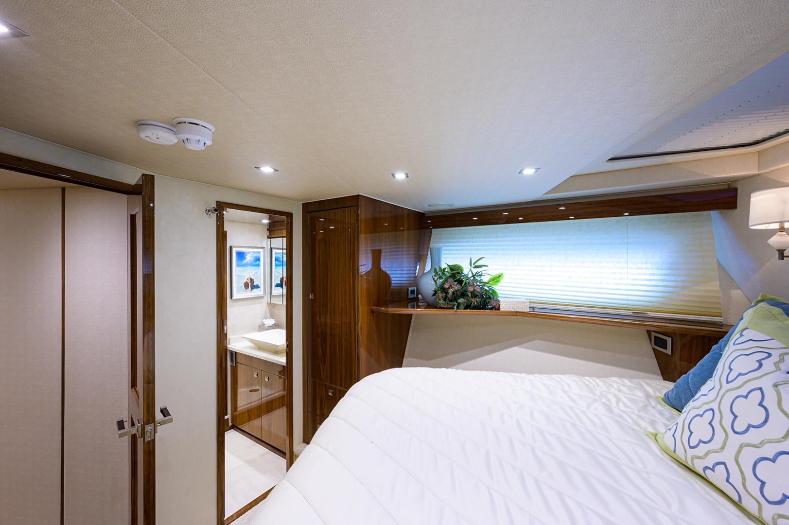 viking-75-2016-enclosed-bridge-Forward Stateroom