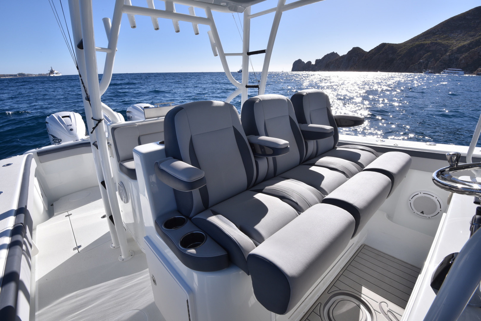 Yellowfin-42 Center Console 2015-Tejas Cabo San Lucas-Mexico-2015 Yellowfin 42 Center Console  Tejas  Helm Seating-1573503 | Thumbnail