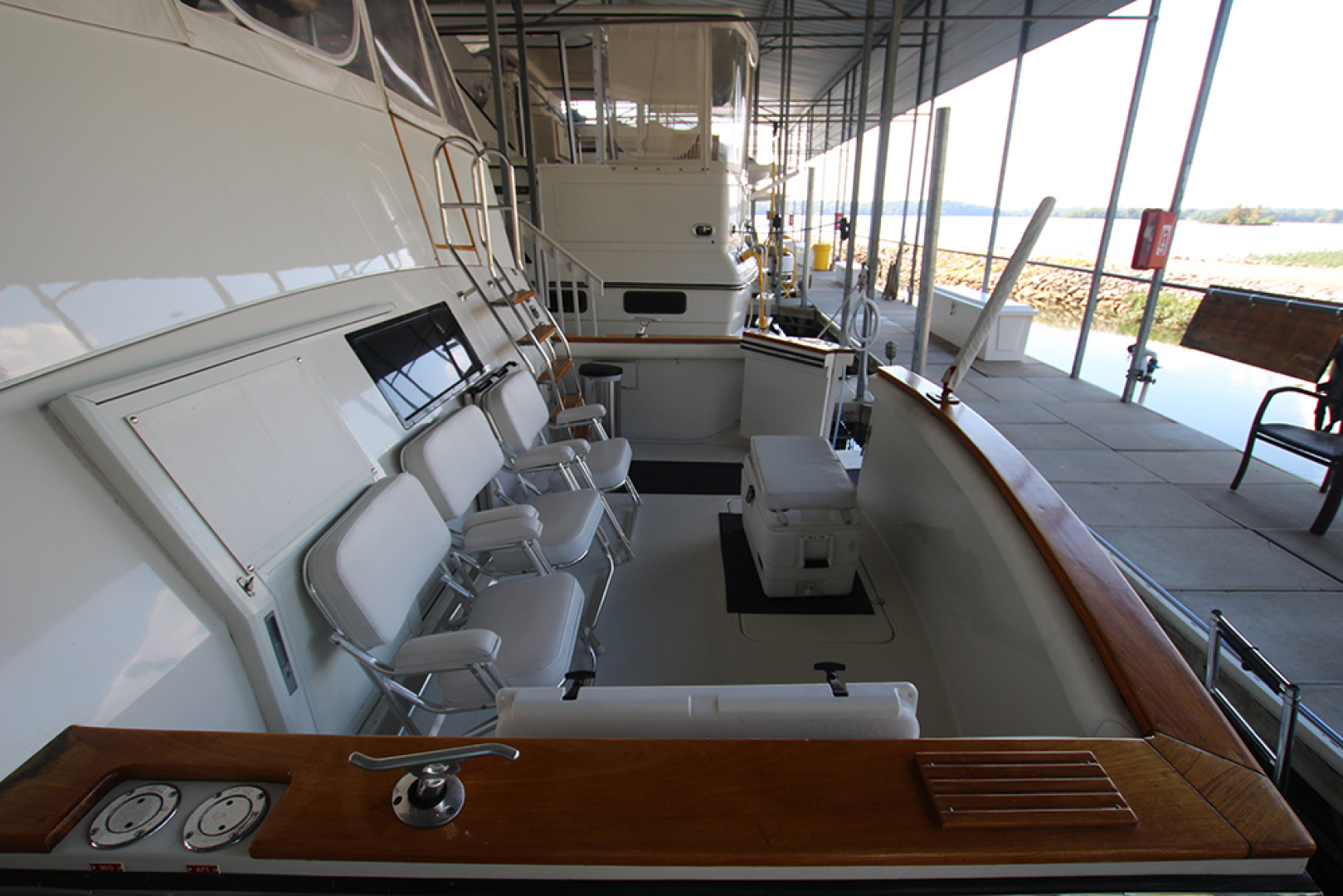 Californian-52 Cockpit Motor Yacht 1991-MARY KATHLEEN Mount Juliet-Tennessee-United States-Cockpit-1574737 | Thumbnail