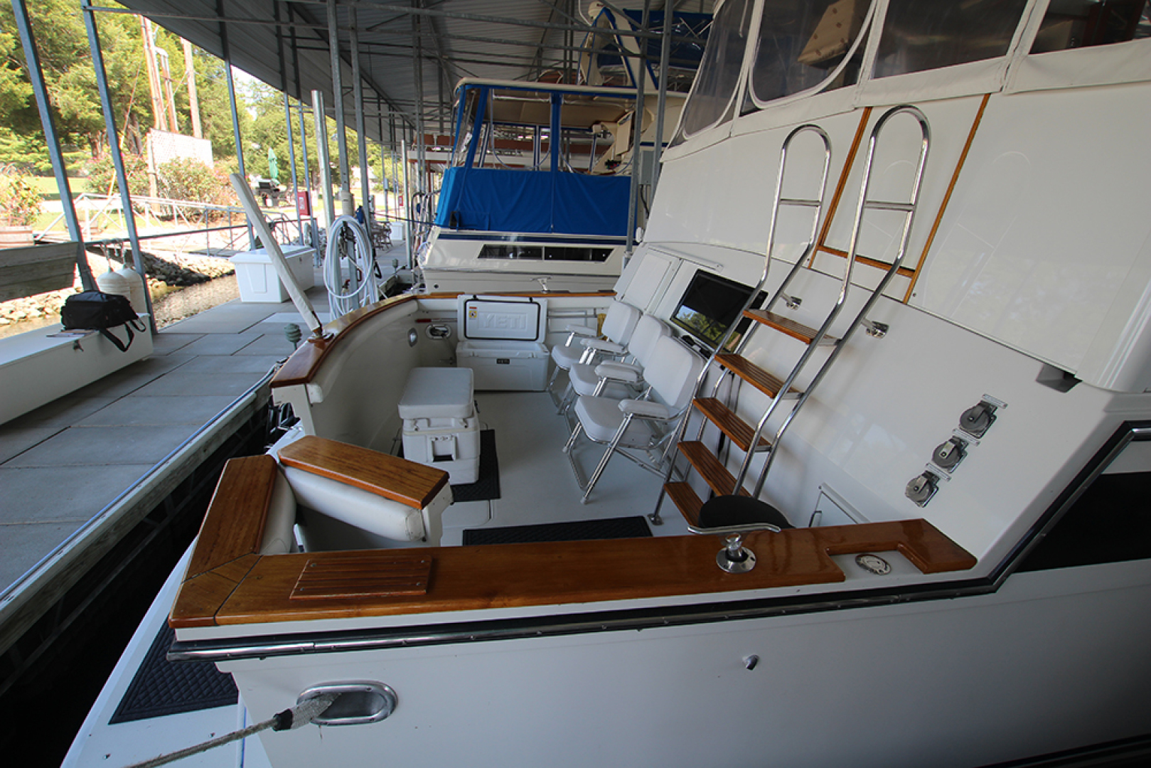 Californian-52 Cockpit Motor Yacht 1991-MARY KATHLEEN Mount Juliet-Tennessee-United States-Cockpit-1574734 | Thumbnail