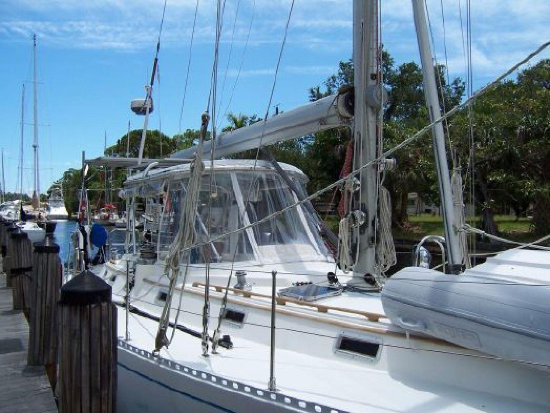 Hylas 1987-Moon Taxi Dania Beach-United States-1574901   Thumbnail