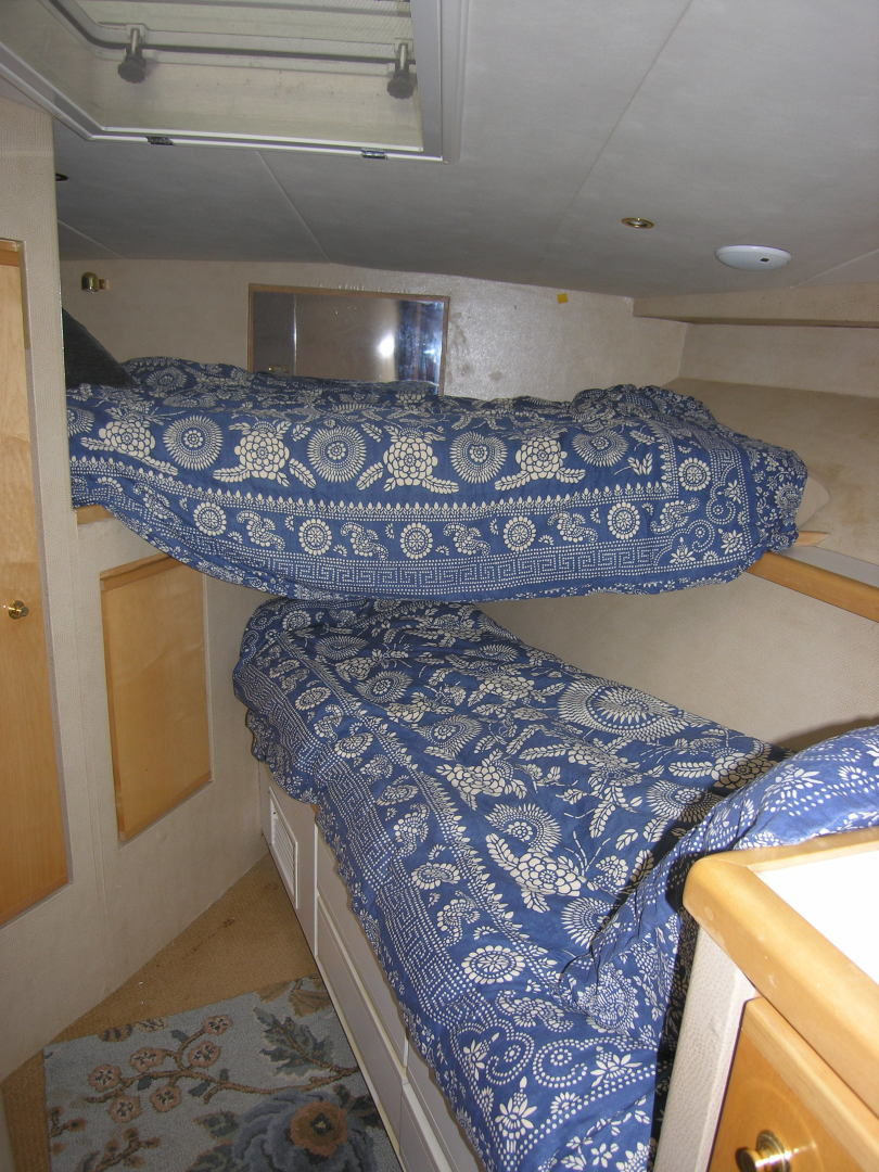 Bertram-Sport Fisherman 1995-REELY NAUTI Fort Lauderdale-Florida-United States-Forward Stateroom-1581684 | Thumbnail