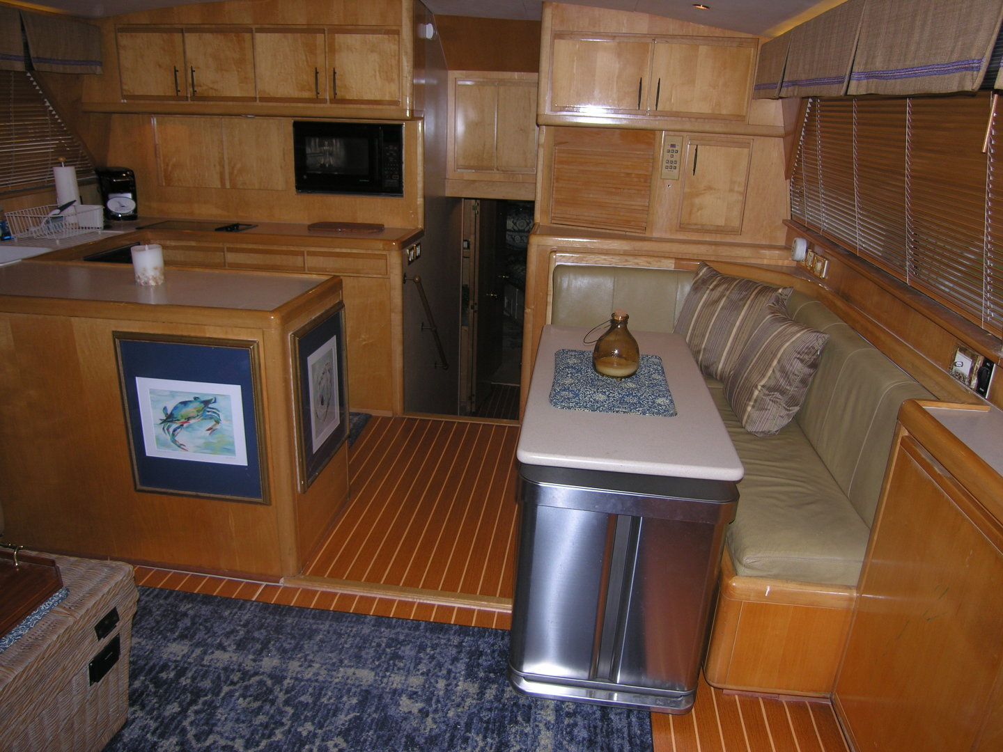 Bertram-Sport Fisherman 1995-REELY NAUTI Fort Lauderdale-Florida-United States-Galley / Dinette-1581673 | Thumbnail