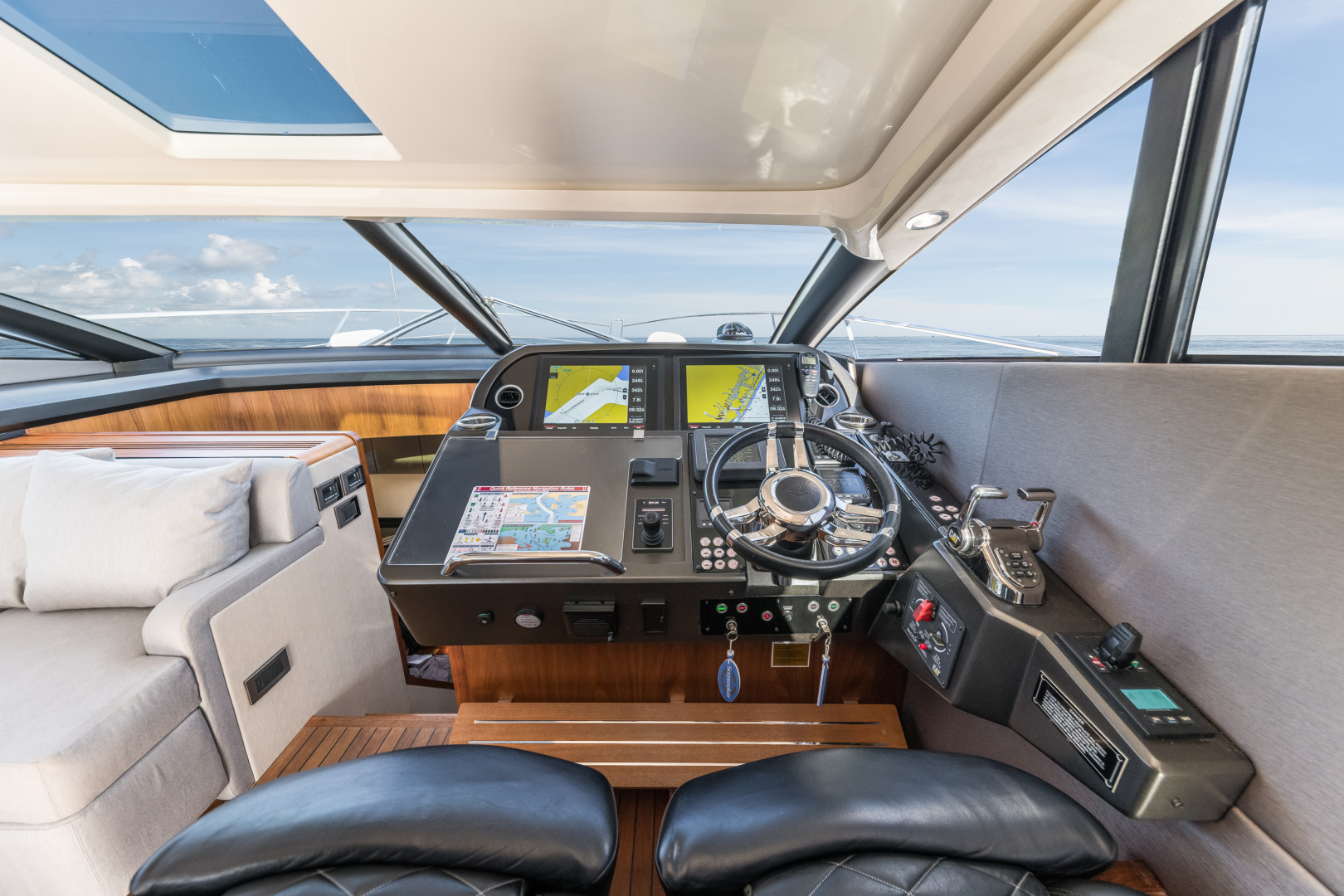 Sunseeker-Predator 2016-Wired Up Fort Lauderdale-Florida-United States-Helm Station -1585660 | Thumbnail