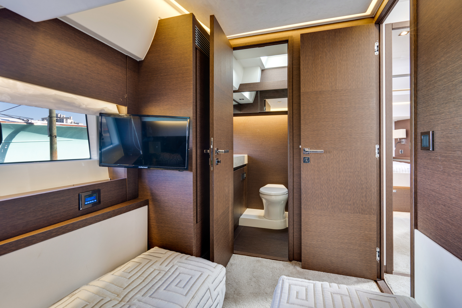 Prestige-630 Flybridge 2017-Intrepide DLC DESTIN-Florida-United States-2017 63 Prestige 630FB   Guest SR (2)-1604454 | Thumbnail