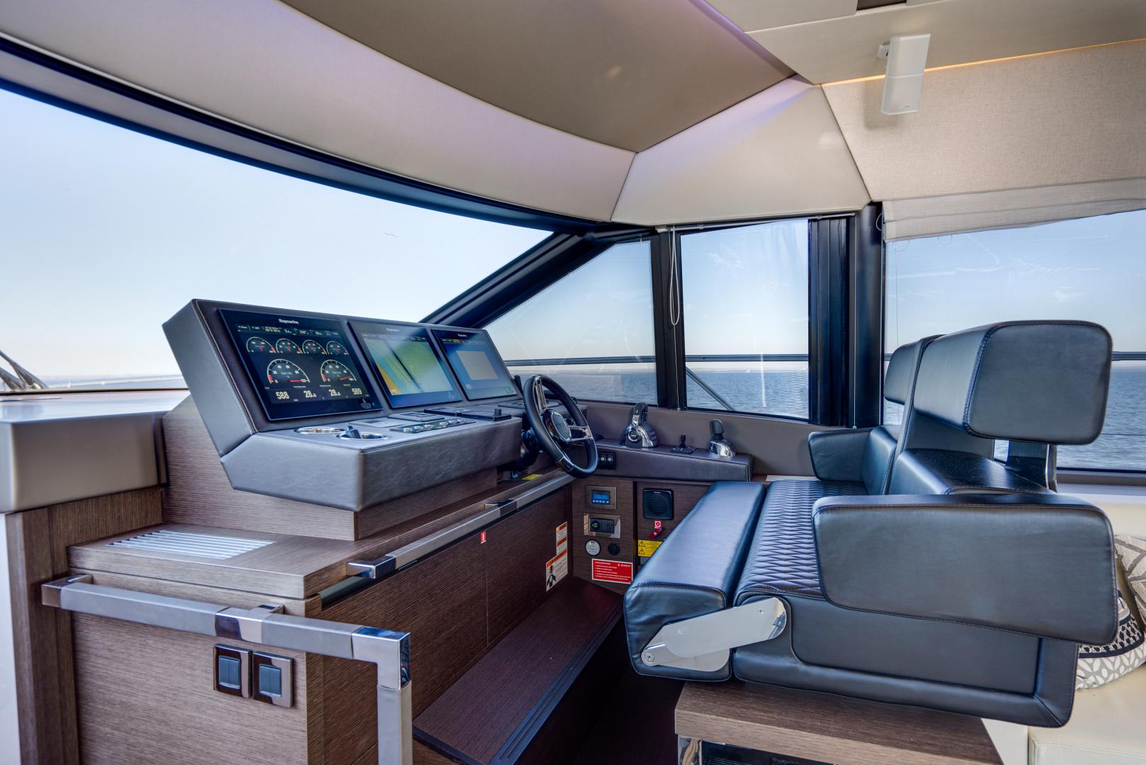 Prestige-630 Flybridge 2017-Intrepide DLC DESTIN-Florida-United States-2017 63 Prestige 630FB   Lower Helm -1604461 | Thumbnail