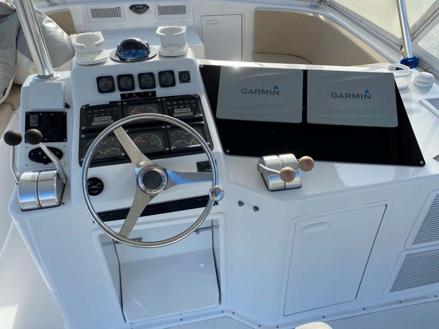 Ocean Yachts-Super Sport 1998-MJs Cape May-New Jersey-United States-Helm-1586512 | Thumbnail