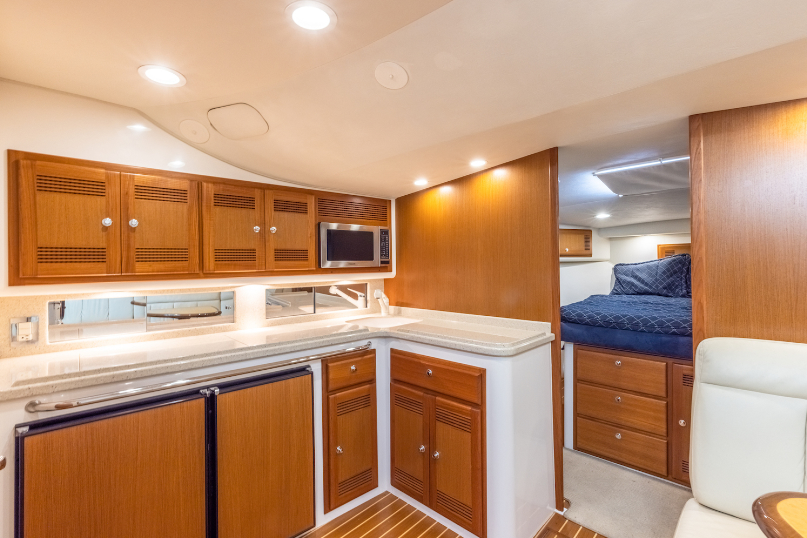 Cabo-Express 2004-Aye Roller Fort Pierce-Florida-United States-Galley-1591824 | Thumbnail