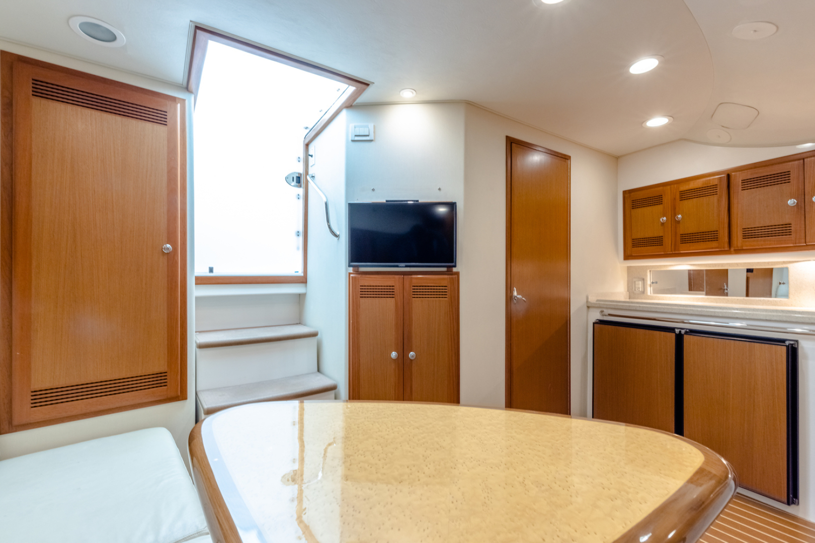 Cabo-Express 2004-Aye Roller Fort Pierce-Florida-United States-Galley/Dinette-1591835 | Thumbnail