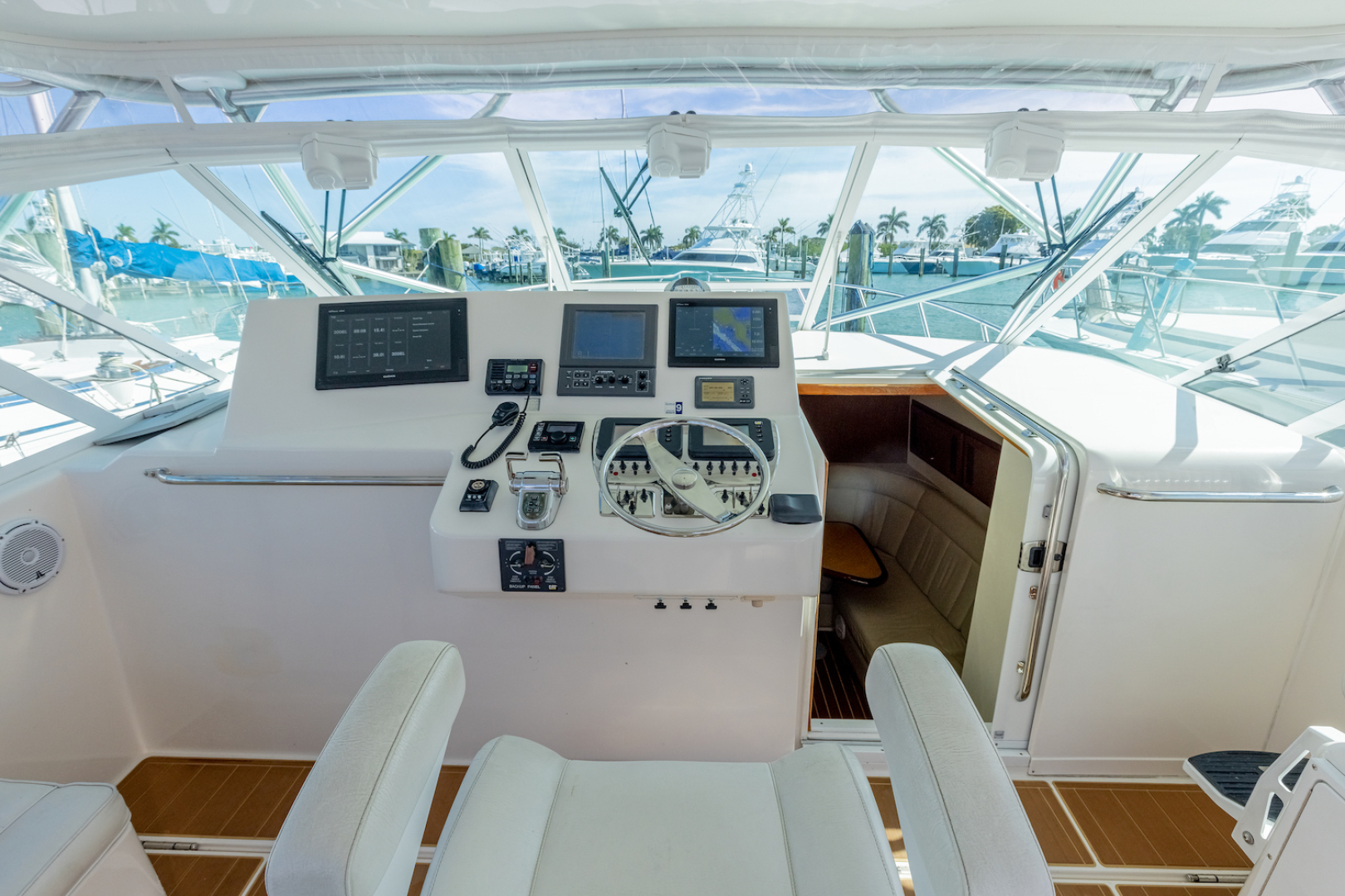 Cabo-Express 2004-Aye Roller Fort Pierce-Florida-United States-Helm Area-1591837 | Thumbnail