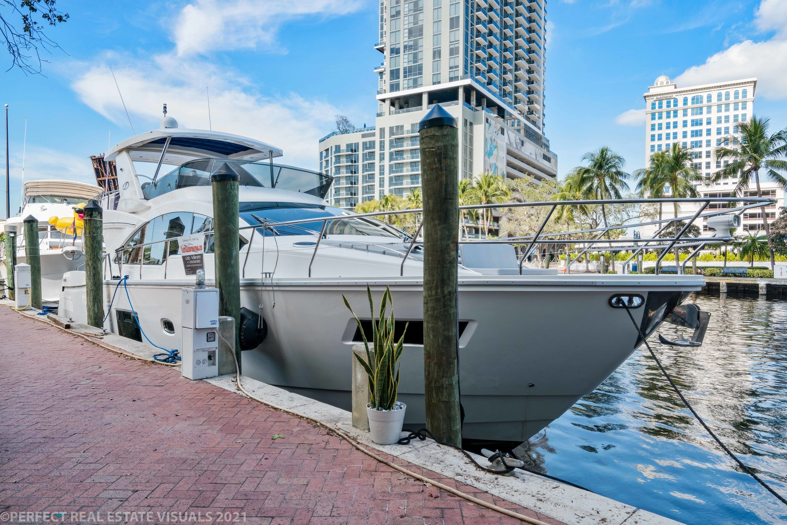 Schaefer-640 2017 -Fort Lauderdale-United States-1600565 | Thumbnail