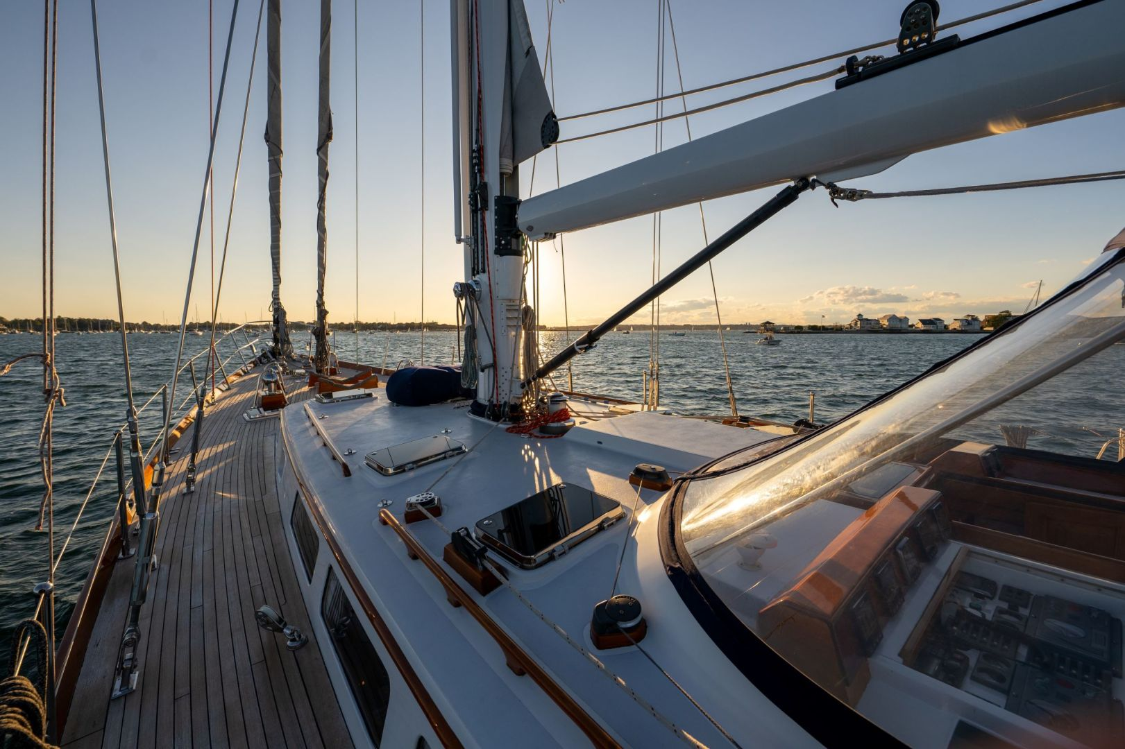Little Harbor 1984-HERMIE LOUISE Fort Lauderdale-Florida-United States-Foredeck-1592524 | Thumbnail