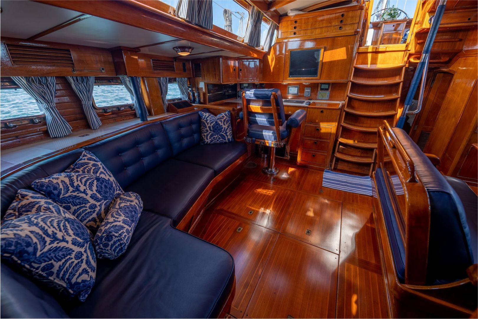 Little Harbor 1984-HERMIE LOUISE Fort Lauderdale-Florida-United States-Saloon Looking Aft-1592536 | Thumbnail