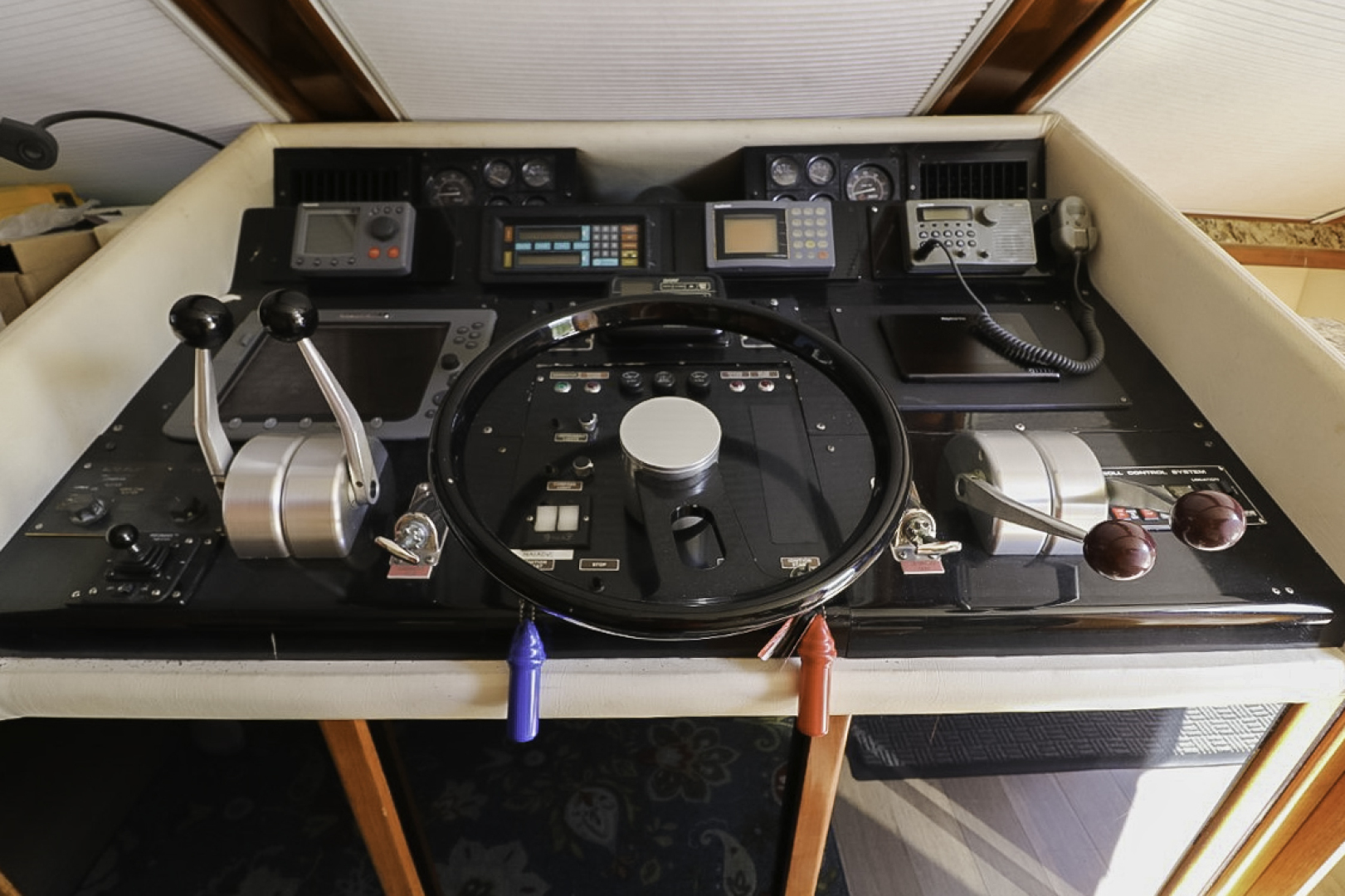 Viking-70 Cockpit Motor Yacht 1988 -Fort Lauderdale-Florida-United States-1593833   Thumbnail