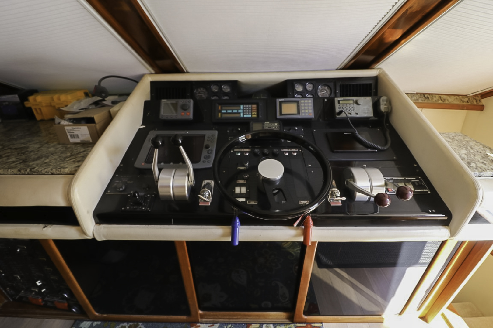 Viking-70 Cockpit Motor Yacht 1988 -Fort Lauderdale-Florida-United States-1593836   Thumbnail