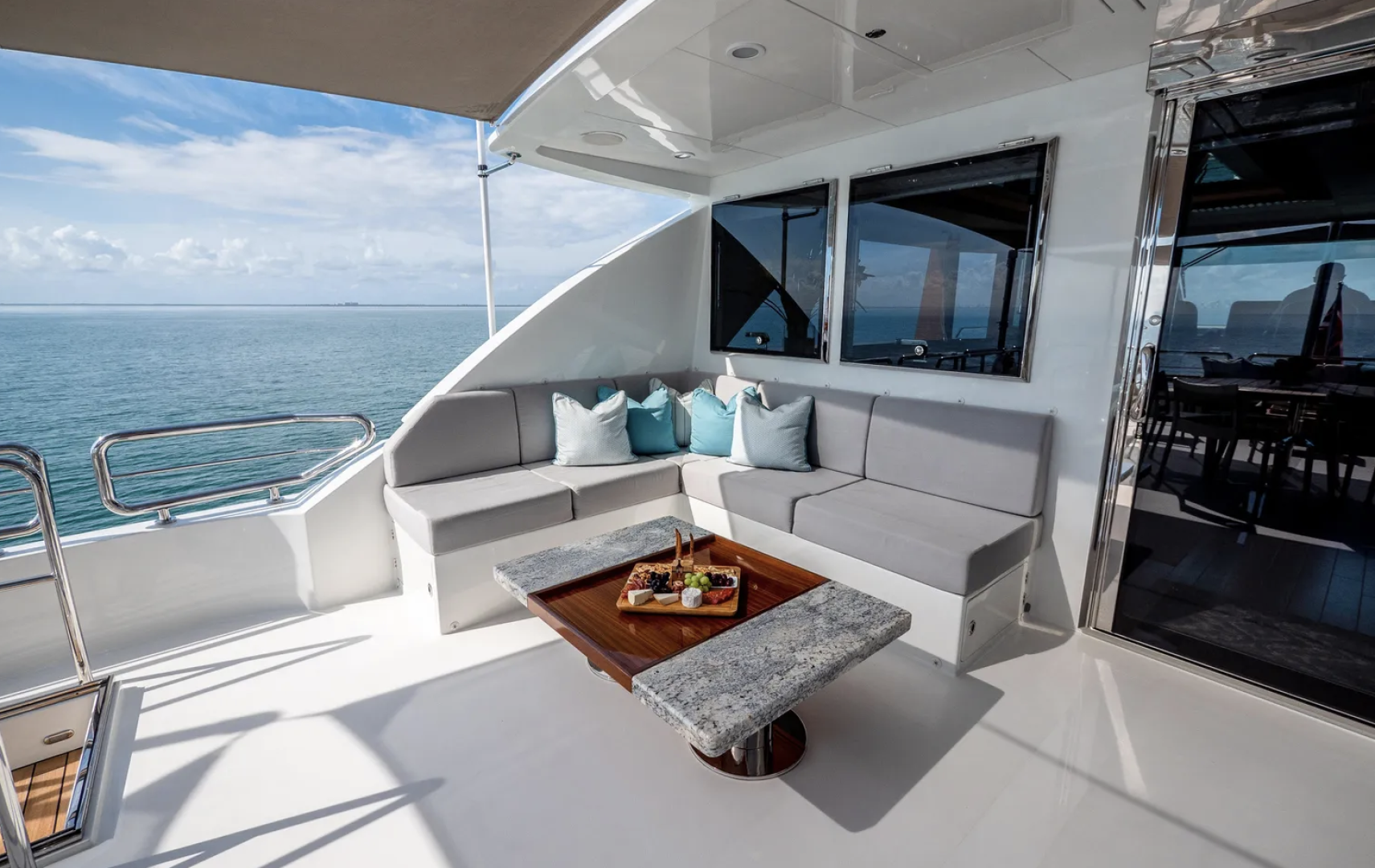 Ocean Alexander-100 Skylounge 2016-Sea N Sea Naples-Florida-United States-Aft Deck Seating-1596368 | Thumbnail